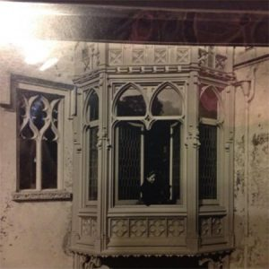 John and Elizabeth Galt Smith lease the Castle 1899